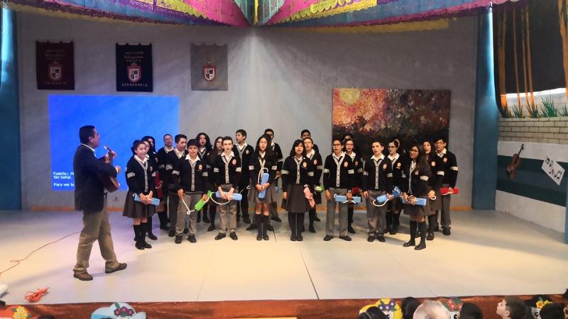 """Interpretación de la melodía """"La bruja"""" por alumnos del grupo 3°A del nivel de secundaria"""